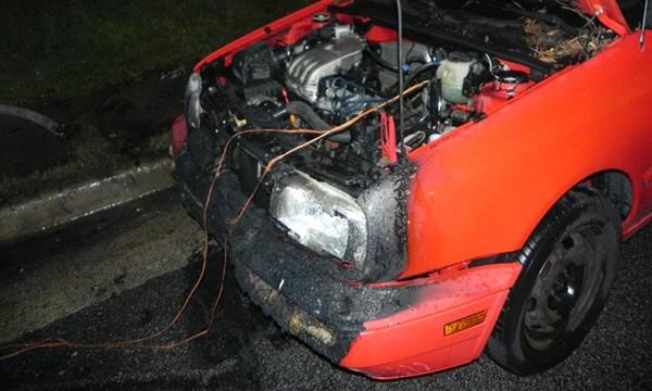 incêndio em carro com chupeta errada